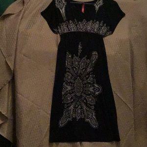 XL  black dress with white design